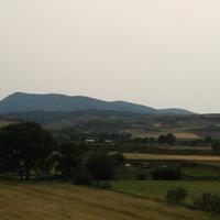 Velestino és a dombok