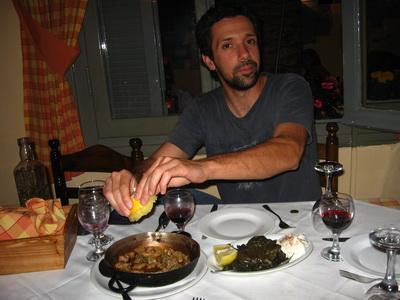 Vacsora Yiannissal és egy barátjával