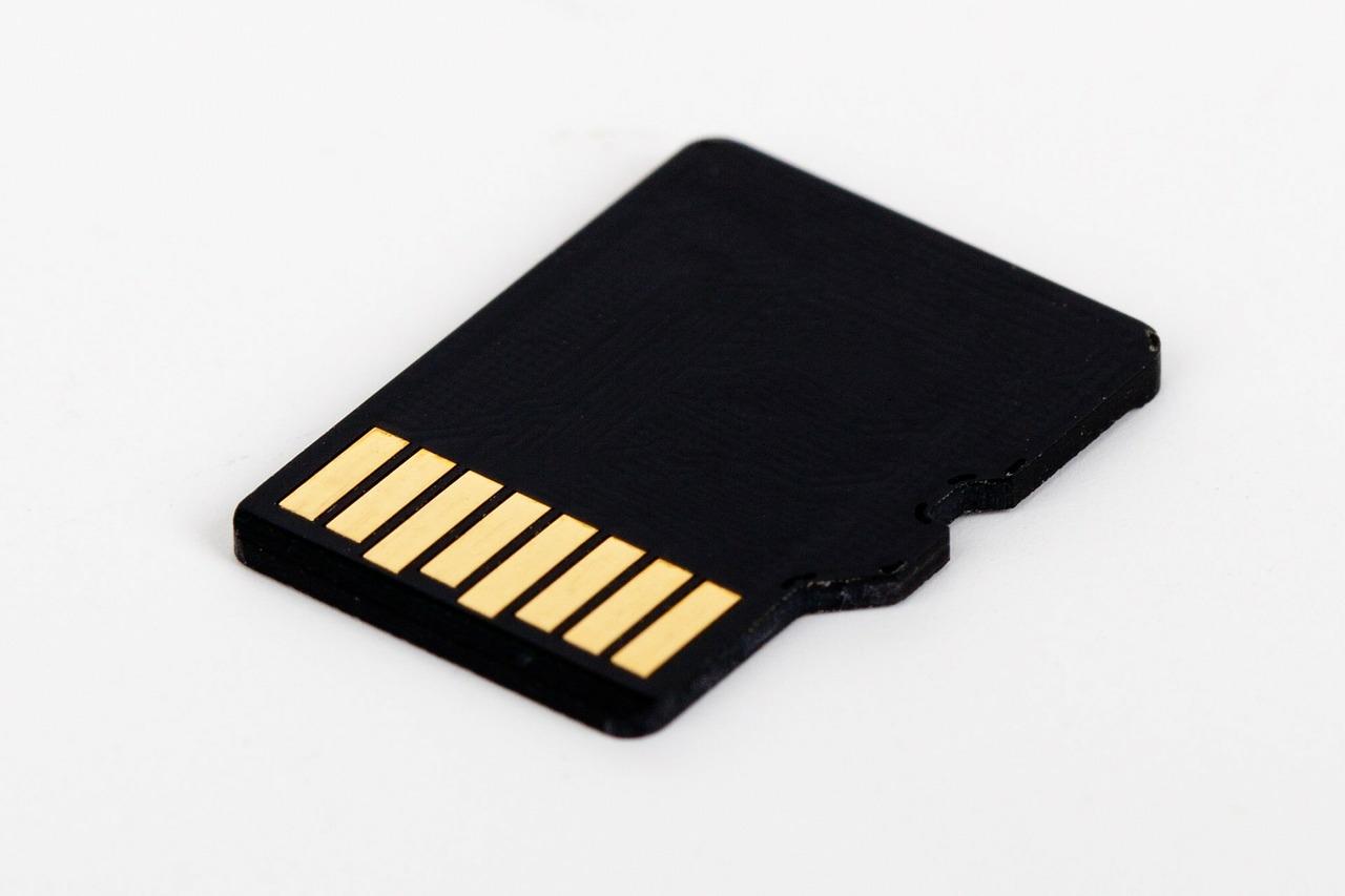 micro-sd-card-72141_1280.jpg