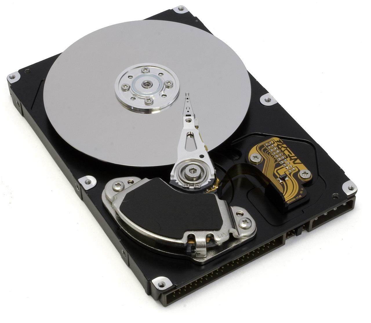 open-hard-drive-1200164_1280.jpg