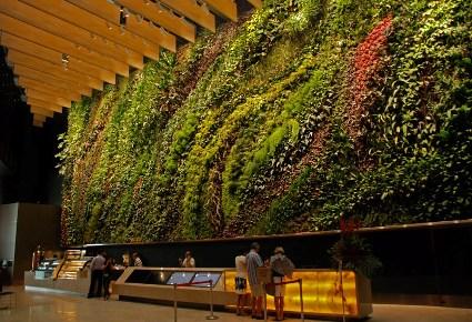 capitaland_6_battery_road_singapore_vertical-wall-garden.jpg