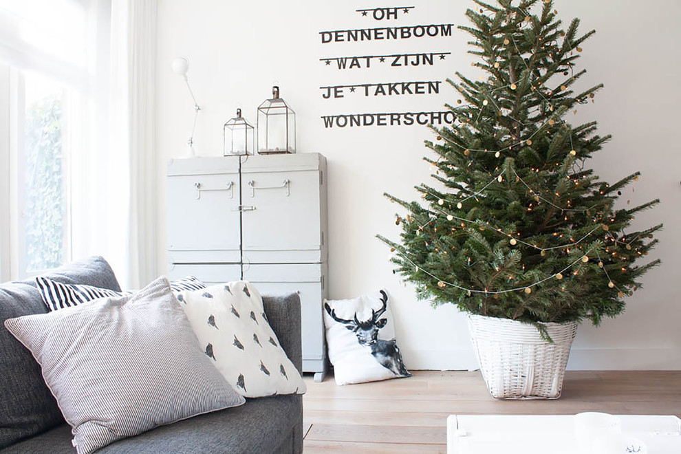 wonderful-tabletop-christmas-trees-decorating-ideas-for-living-room-eclectic-design-ideas-with-wonderful-christmas-christmas-tree.jpg