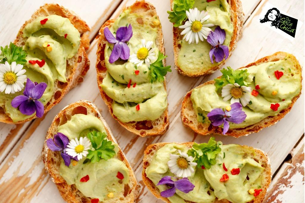 canape-avocado-flowers.jpg