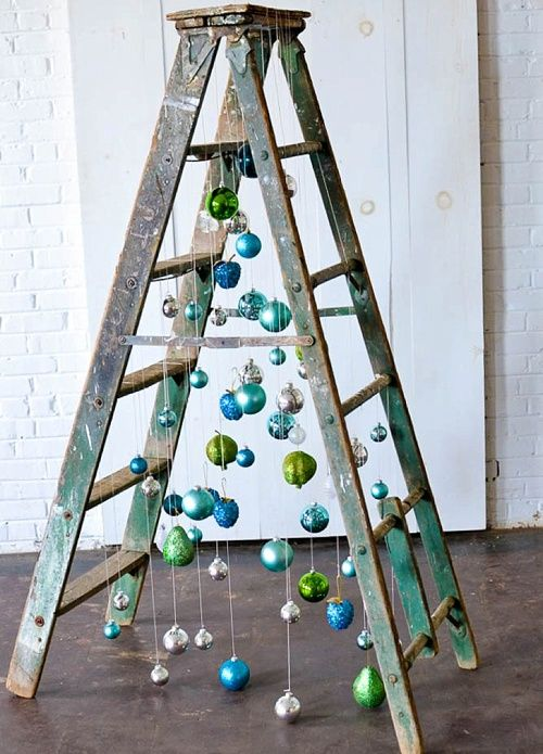 ladder-alternative-christmas-tree-1567183692.jpg