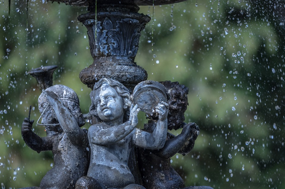 fountain-675488_960_720.jpg