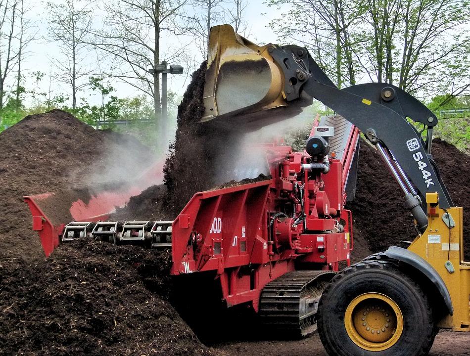 compost-grinder-3389086_960_720.jpg