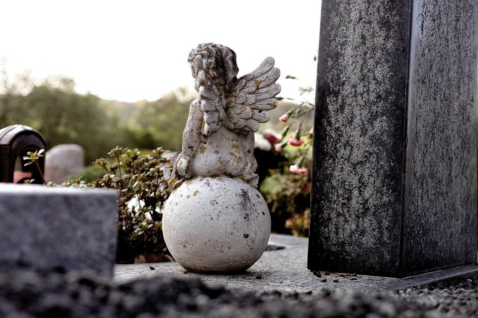 tomb-4169190_960_720.jpg