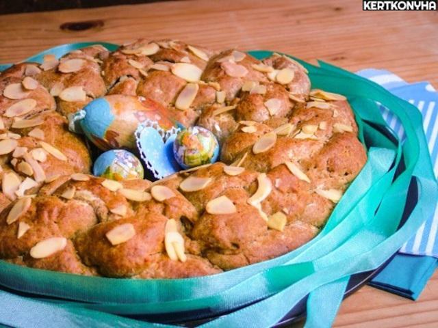 Görög húsvéti kalács