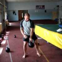 Clean and Press,Chin Up, Front Squat,Dupla Swing ,Burpee                      T.s.:86,30 kg