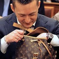 Rogánnak kétszer annyit ér a táskája, mint amennyi megtakarítása van a vagyonbevallása szerint