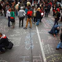 Hajléktalan emberek üldözése a szabálysértési törvényben – újra a Parlament előtt
