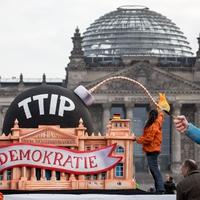 Meghátrálnak a nyugati politikusok a TTIP-kiszivárogtatás után?