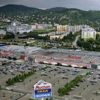 A városszéli bevásárlóközpontok megadóztatása környezeti szempontból helyes volna, de sajnos a kormány nem ezt tervezi