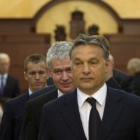 A Polt Péteri ügyészség mintájára kebelezné be a Fidesz a bíróságokat politikai ügyekben