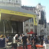 Civilek tüntetnek a kormány gyűlöletpolitikája ellen - PERCRŐL PERCRE