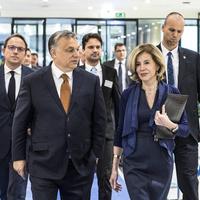 Orbán hülyének nézi az Uniót, ők meg hagyják