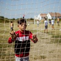 Mert minden gyereknek jár a gyerekkor – Tiszavasváriban focipálya épült