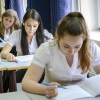 A jövőjük múlik rajta: egy tollvonással javíthatna az oktatás helyzetén a minisztérium