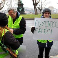 A (köz)munka ünnepére - egyenlő jogokat a közmunkásoknak!