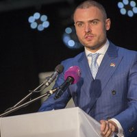 Százezer közalkalmazott kirúgásával nem old meg semmit, csak még több dolgozó életét teszi tönkre a Fidesz