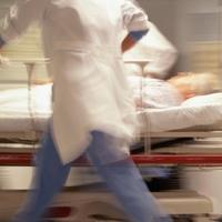 Csak tippelni lehet, hány orvos hiányzik a magyar egészségügyből