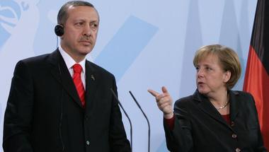 Merkel-Erdogan találkozó: A fürdővízzel együtt a gyereket is?