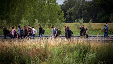 Orbán Viktor háborúja az illegális gazdasági migránsok ellen, avagy hogyan tartsuk fent az európai status quót
