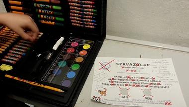 A kreativitás győzött a kvótanépszavazáson: itt vannak a legjobb érvénytelen szavazólapok!