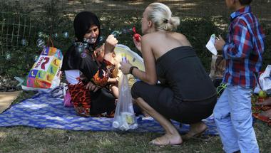 Piknik a Köztársaság téren – avagy hogyan győzték le a segítő civilek a gyűlöletkeltést