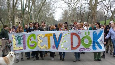 A kiállás a szolidaritásáért a Liget zöldjében kezdődik