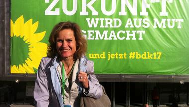 """""""Alfahímekkel szemben"""" – Helga Trüpel zöld EP-képviselő Merkelről és a választásról"""