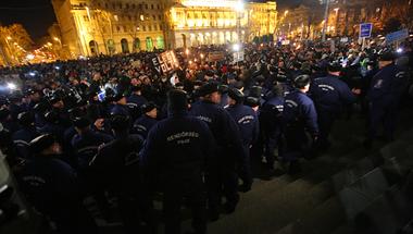 """Tüntetési szájbarágó: válaszok a """"minek tüntetnek még a diákok"""" kérdésre"""