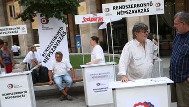 """""""Nem hagyjuk"""" ellenzék és a népszavazás"""