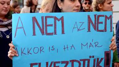 A migránsoknál már csak a szexelő nőket utálják jobban egyes magyar kommentelők