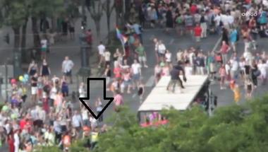A  rendőrök előre tudtak a Pride kamionjára felmászó emberről, mégsem avatkoztak be?