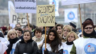 Tankerületi fórumokkal blokkolja a minisztérium a pedagógusokat a tüntetések idejére