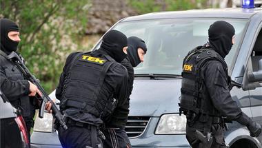 Terrorizmusra hivatkozva teljhatalommal ruházná fel magát a Fidesz?