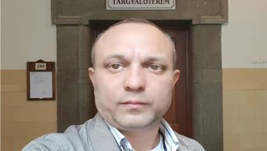 Egy év próbára ítélték a RomNet újságíróját, mert azt írta Farkas Flórián bizalmasáról, hogy felelős az ORÖ korrupciós ügyeiért