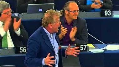 Szájer férje és a diszkrimináció – a magyar kérdés ismét az EP-ben