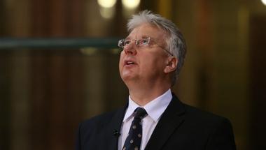 A magyar állam több támogatást ad egy miniszternek, mint egy minimálbérért dolgozónak