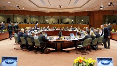 A diplomáciában miért is nem érvényesül a demokratikus kontroll?