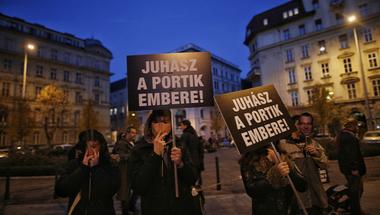 Az év legcikibb ellentüntetését hozta össze a Fidesz