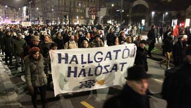 Magyar Nemzet: ezek tényleg idióták