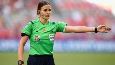 Magyar foci: ha a bíró hülye, az asszisztens kurva?
