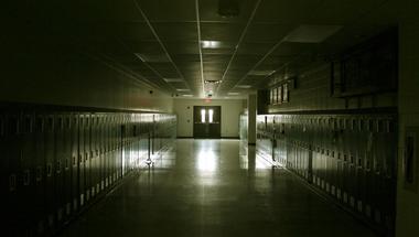 Tudja még valaki, mi folyik az iskolákban?