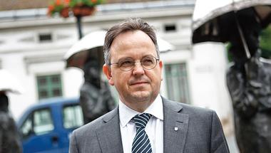 Százezer magyar férfit kasztrálna a Fidesz-KDNP óbudai polgármestere