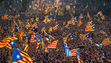 A katalán autonómia elnöke deklarálta a függetlenséget, meg nem is