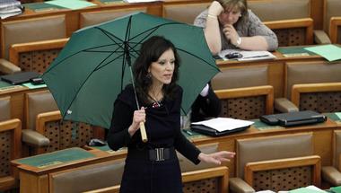 Az LMP-t akarta sorosozni, de a Fideszt sikerült cionistáznia a Magyar Időknek