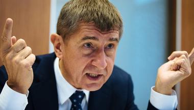 A helyi Simicska kerül hatalomra Csehországban?