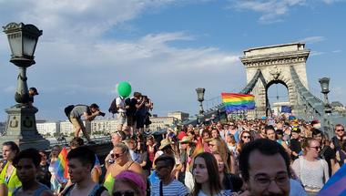 Tíz évnyi szélsőjobboldali támadást tört meg a kordon nélküli Pride
